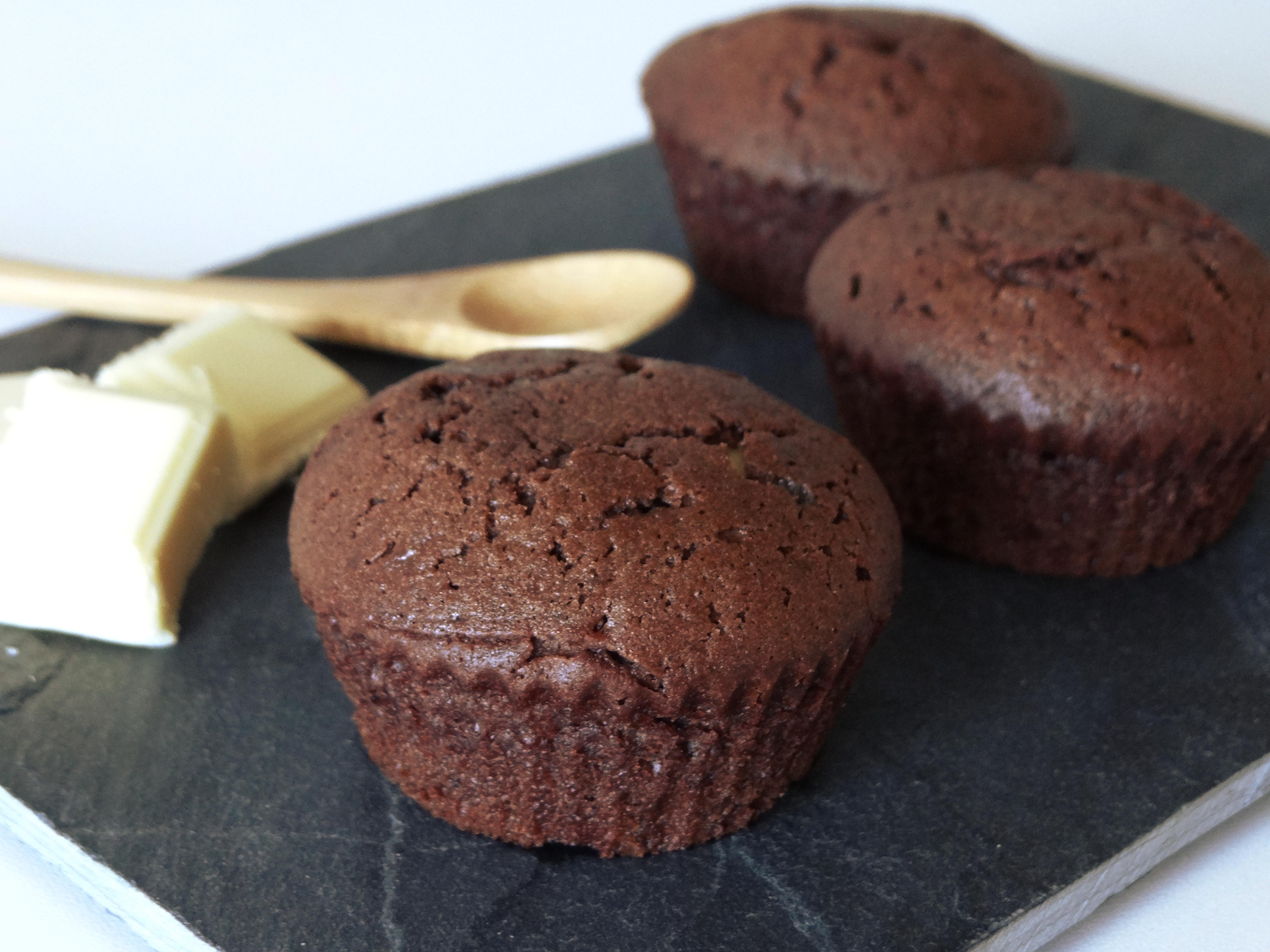 Coloriage Coeur Chocolat.Muffins Au Chocolat Noir Coeur De Chocolat Blanc Little